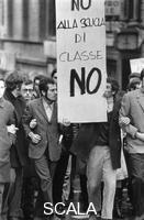 ******** Marzo 1968, Roma. Manifestazione studentesca