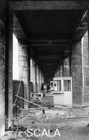 ******** Roma 1968. Occupazione università Ingresso dopo danneggiamenti