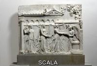 Arte romana Rilievo con triade apollinea (Apollo citaredo con Artemide e Latona) della prima eta' augustea (fine sec. I a.C.)