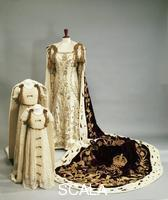 ******** Coronation dresses and robes worn by the Queen Mother and Princesses Elizabeth and Margaret, 1937