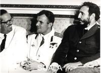 Korda (Diaz Gutierrez, Alberto, 1928-2001) Fidel Castro, Youri Gagarine et Osvaldo Dorticos (president cubain)